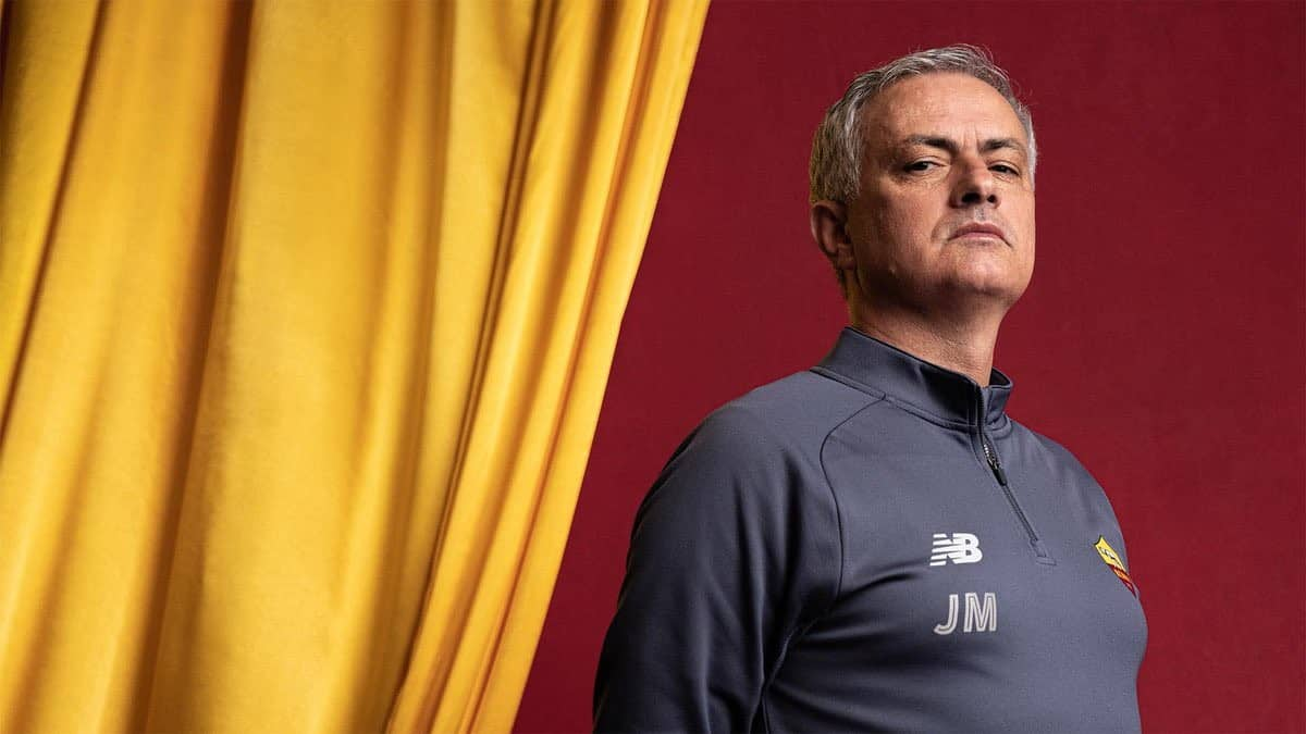 """Jose Mourinho slams Spurs and Manchester United, claiming he's """"a victim"""""""