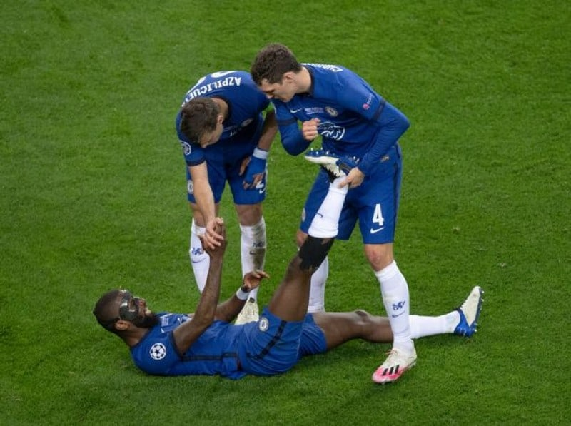 Chelsea handed double boost as defender duo is back to training