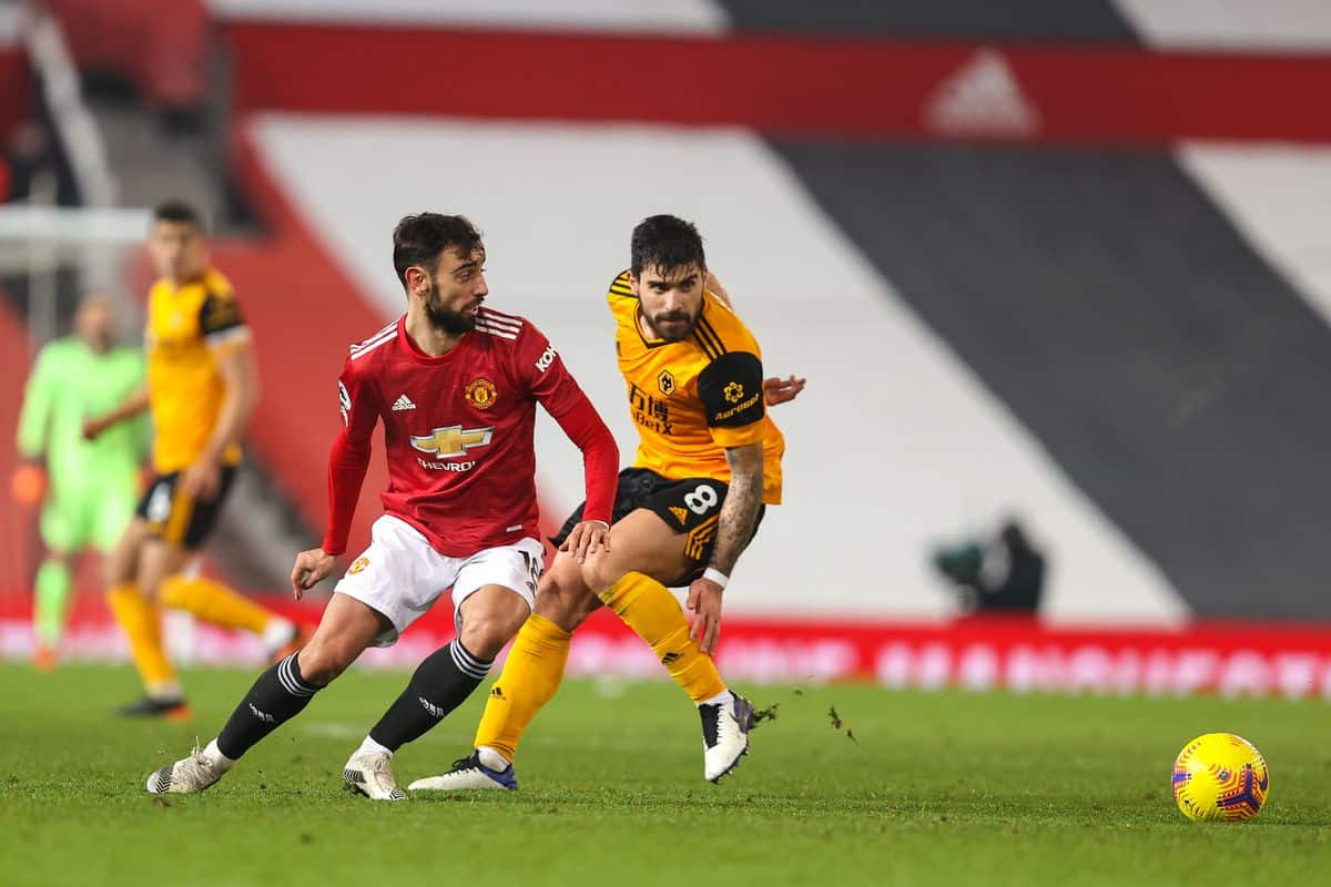 Ruben Neves sends message to Bruno Fernandes amid Manchester United links