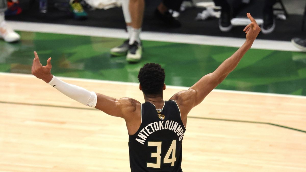 Milwaukee Bucks beat Phoenix Suns in Game 6 and became NBA Champions as the series ended with a 4-2 score.Giannis Antetokounmpo recorded 50 points, 14 rebounds and 2 assists. He was named as Finals MVP.
