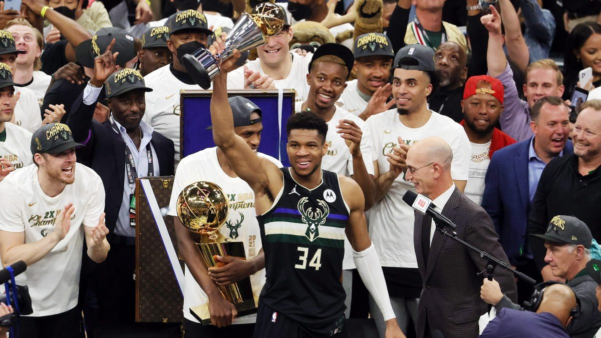 Stephen Curry sends a message to Giannis Antetokounmpo as Bucks become NBA Champions