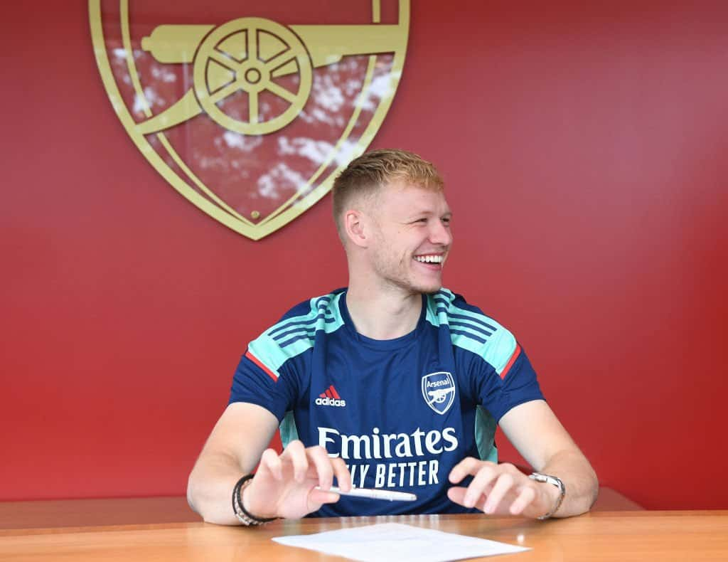 Aaron Ramsdale reveals beyond touching story while signing his Arsenal contract