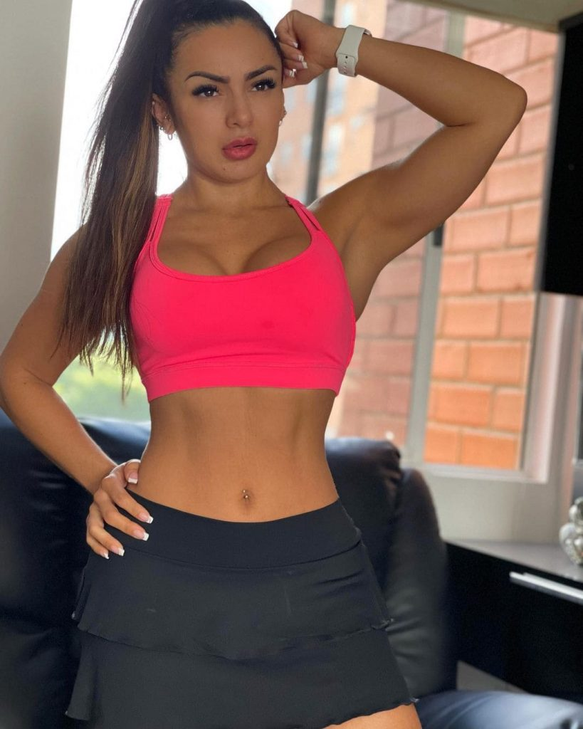 Paola Macias: Top 10 hottest Colombian female fitness models on social media